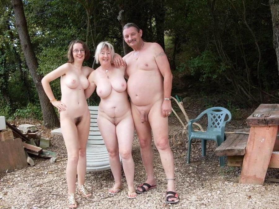 Vacances échangistes Elodie libertine naturiste 18